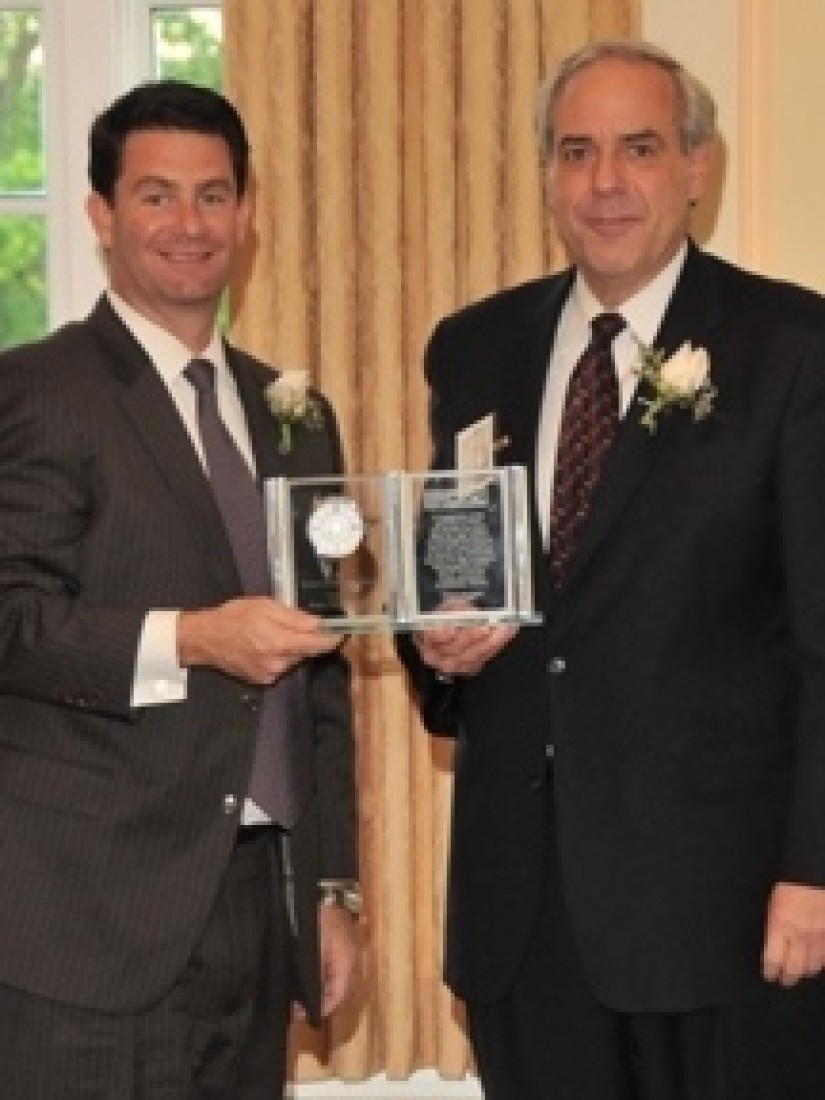 Barry S. Goodman Receives the MCBA Lawyer of the Year Award 2010